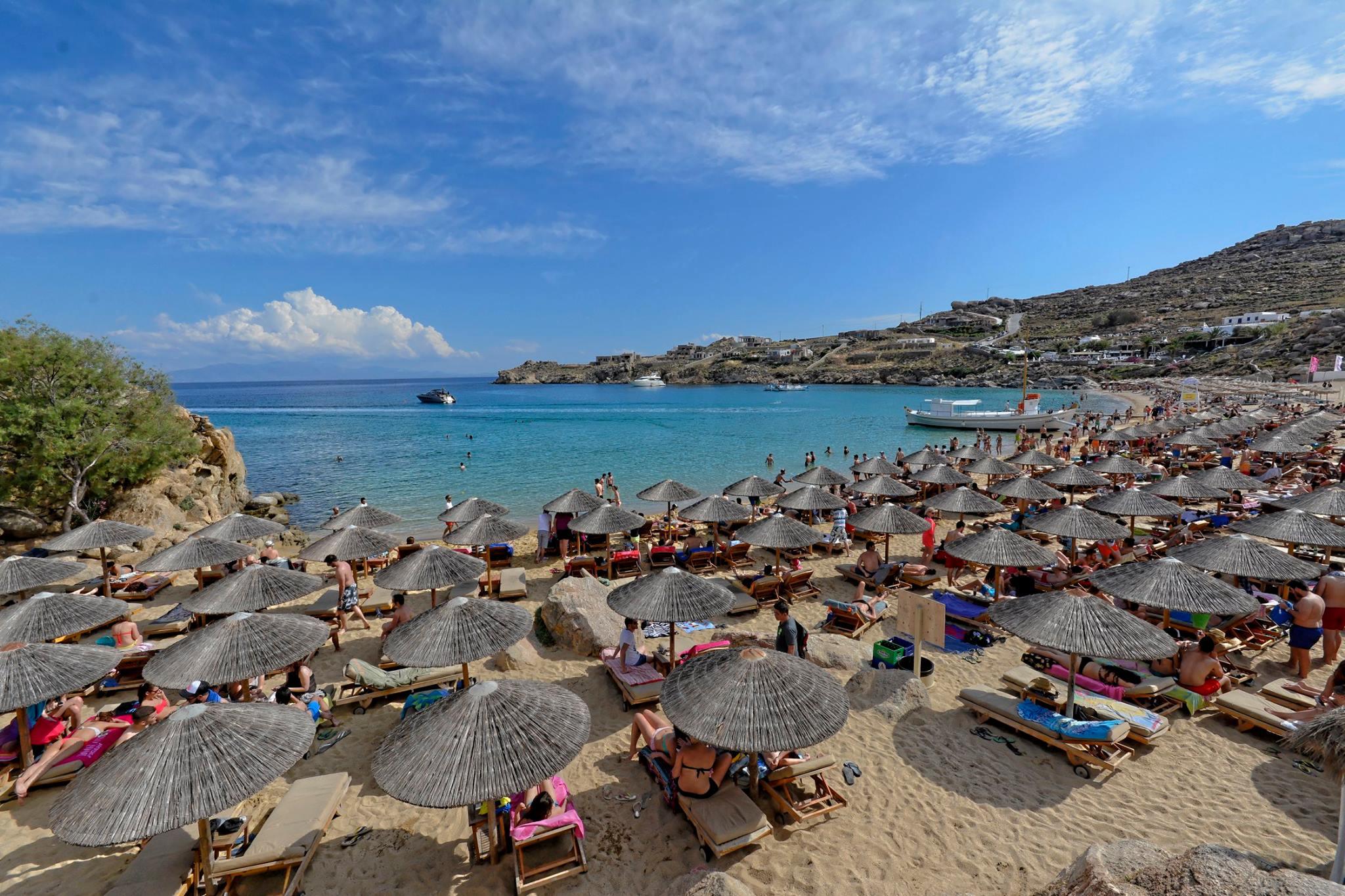 Best Island Beaches For Partying Mykonos St Barts: Super Paradise Beach In Mykonos Island, Greece