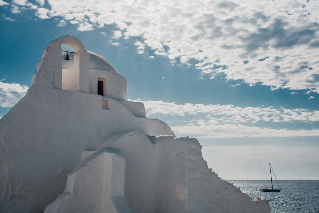 Best time to visit Mykonos island