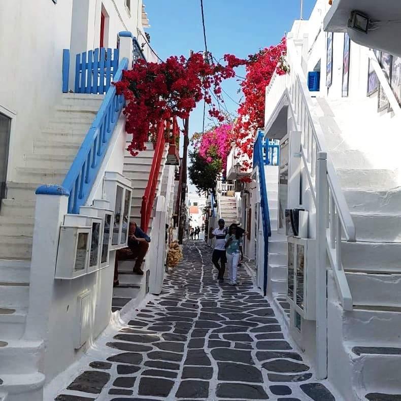 Mykonos Town - Matogianni Street