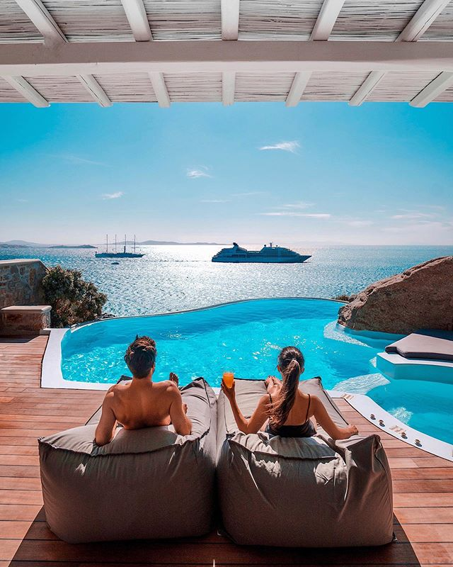Honeymoon in Mykonos – Romantic Hotels and Things to Do